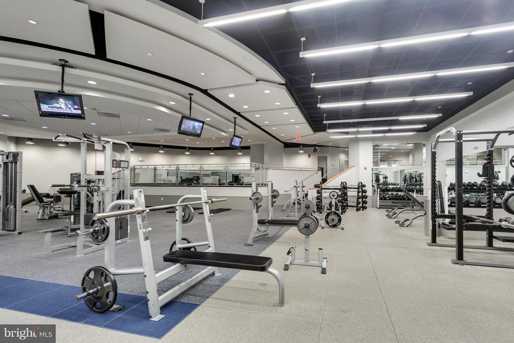 Fitness Center - 1111 ARLINGTON BLVD #331, ARLINGTON