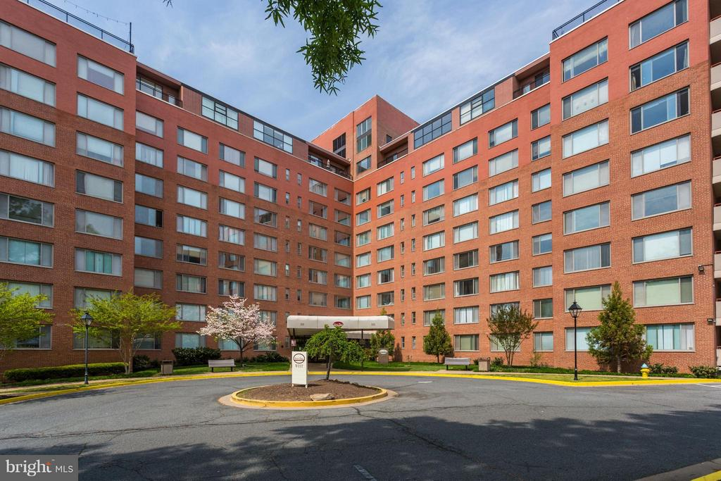 Building - 1111 ARLINGTON BLVD #331, ARLINGTON