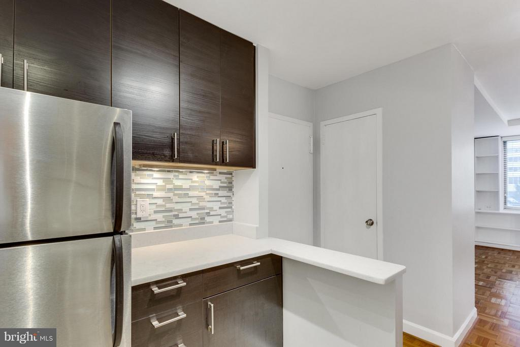 Kitchen - 1111 ARLINGTON BLVD #331, ARLINGTON