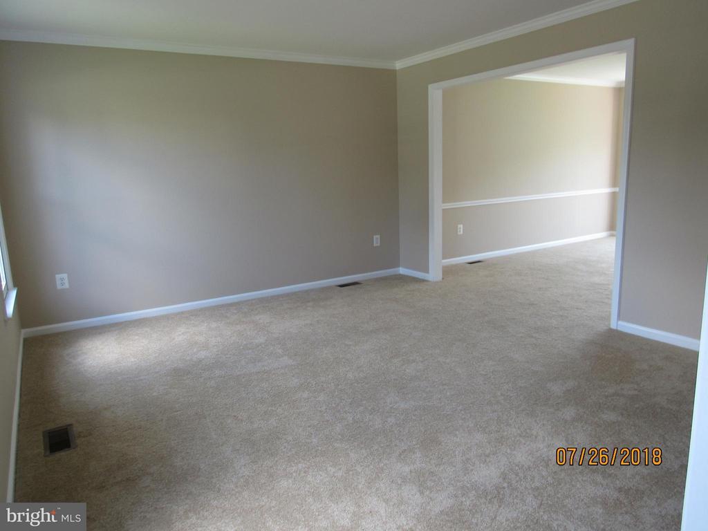 Living Room - 18 NEVILLE CT, STAFFORD