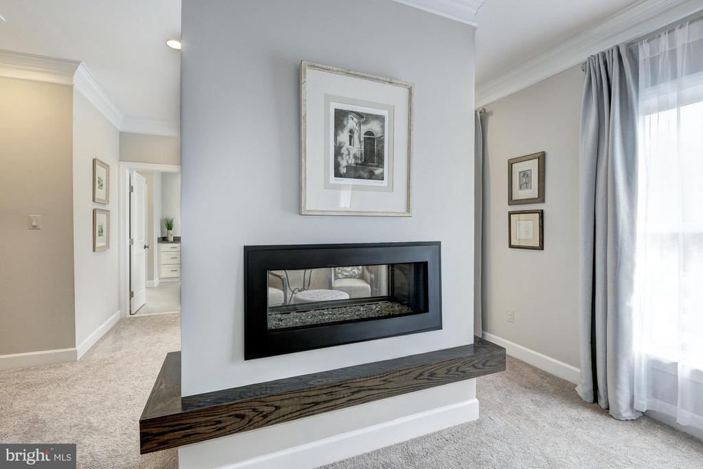 Master Bedroom with  dual-sided fireplace - 2550 VALE RIDGE CT, OAKTON