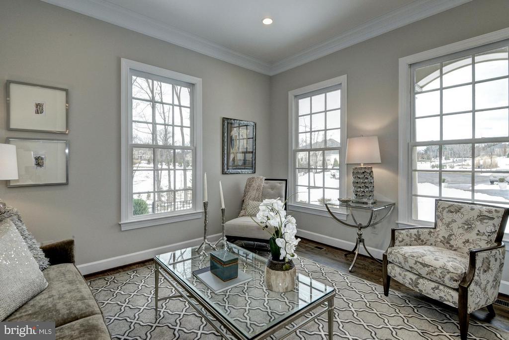 Living Room - 2550 VALE RIDGE CT, OAKTON