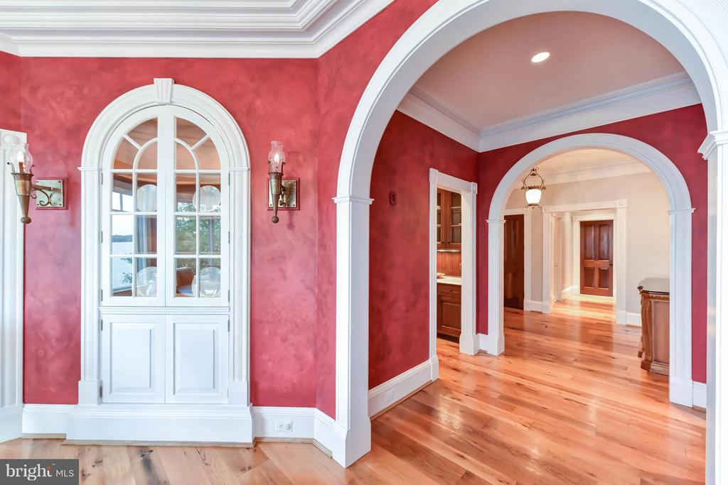 Antique sconces and custom detailed built-in's - 7615 SOUTHDOWN RD, ALEXANDRIA
