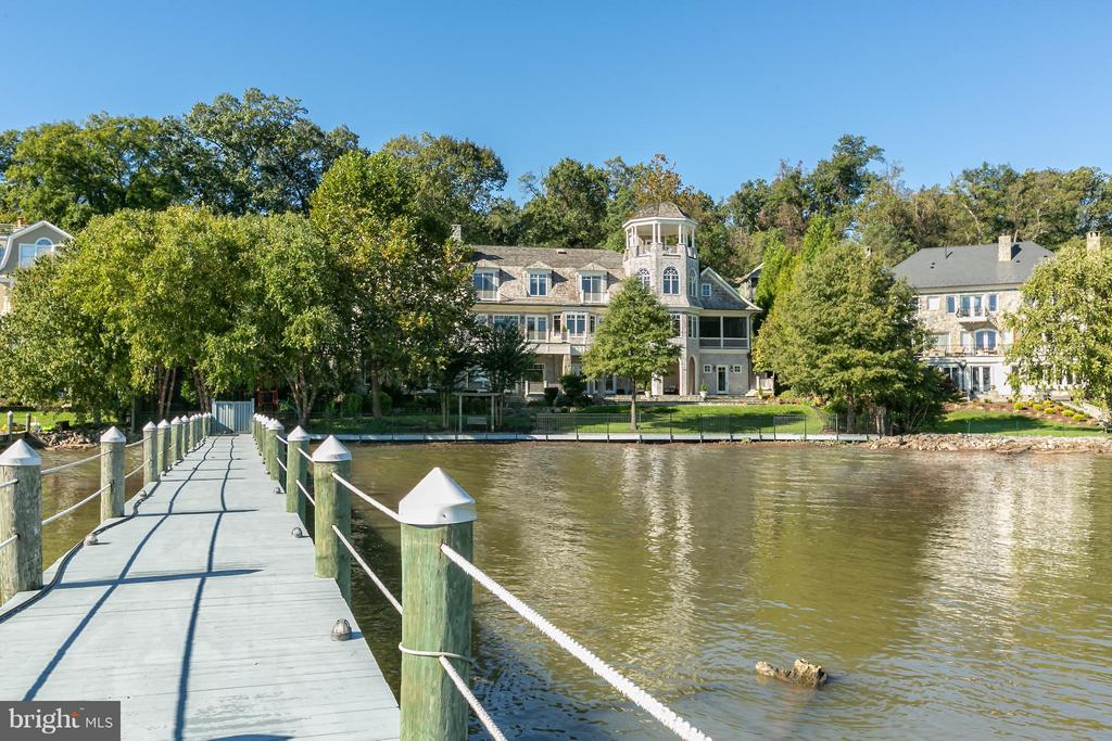 300 foot dock with 3 large lifts, 2 PWC lifts - 7615 SOUTHDOWN RD, ALEXANDRIA