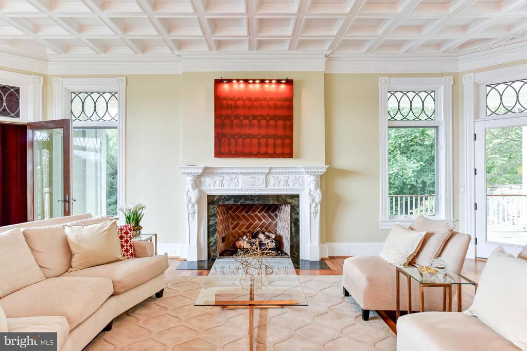 10 foot coffered ceiling, beveled glass windows - 7615 SOUTHDOWN RD, ALEXANDRIA