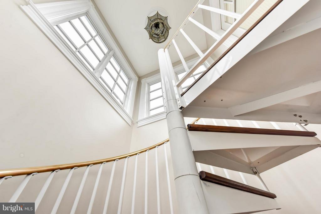 Wrought iron / brass staircase to Crow's Nest - 7615 SOUTHDOWN RD, ALEXANDRIA