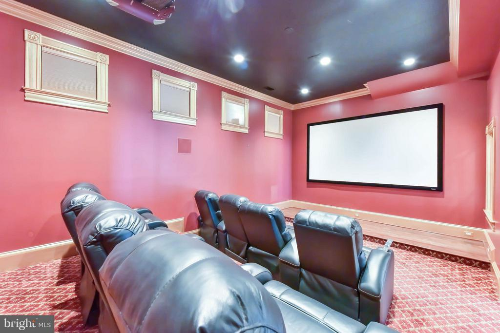 Screening Room with 8 theater seats - 7615 SOUTHDOWN RD, ALEXANDRIA