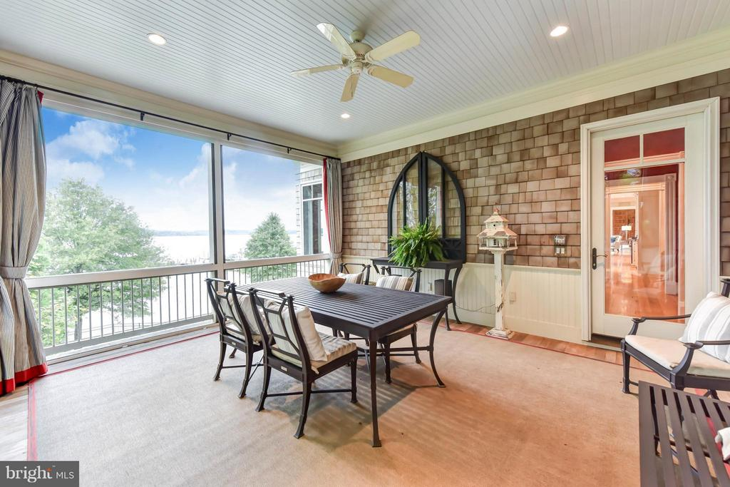 Screened Porch overlooking the water - 7615 SOUTHDOWN RD, ALEXANDRIA