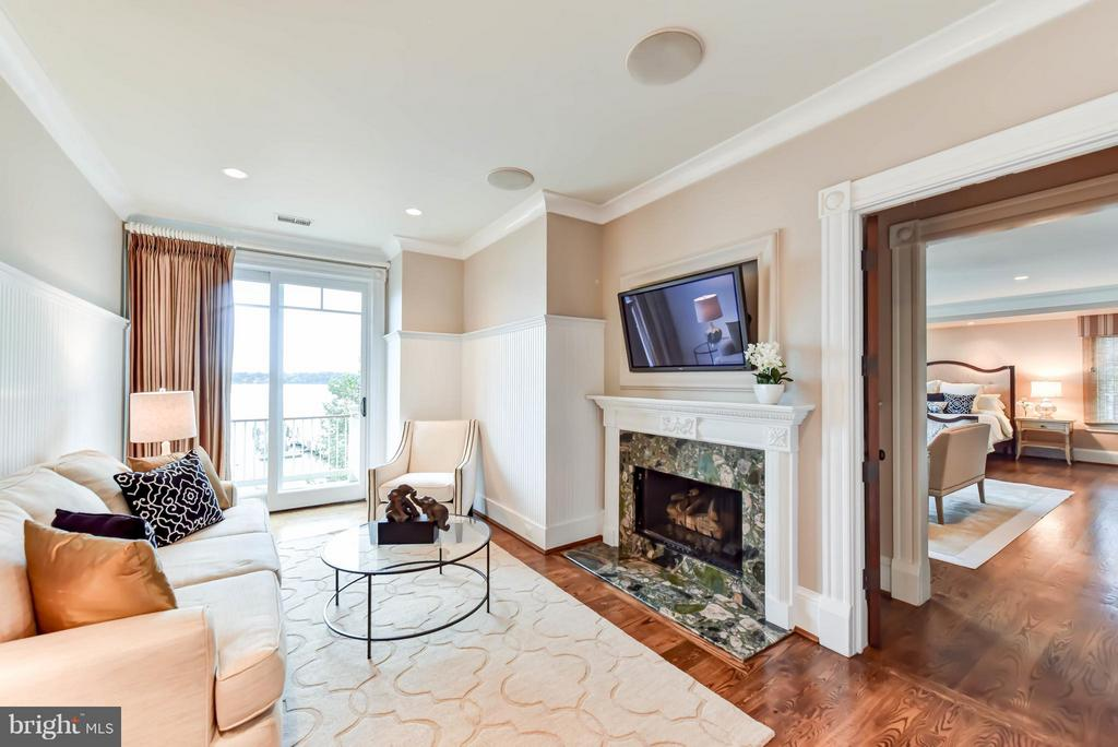 Master Sitting Room with Gas Fireplace and Balcony - 7615 SOUTHDOWN RD, ALEXANDRIA