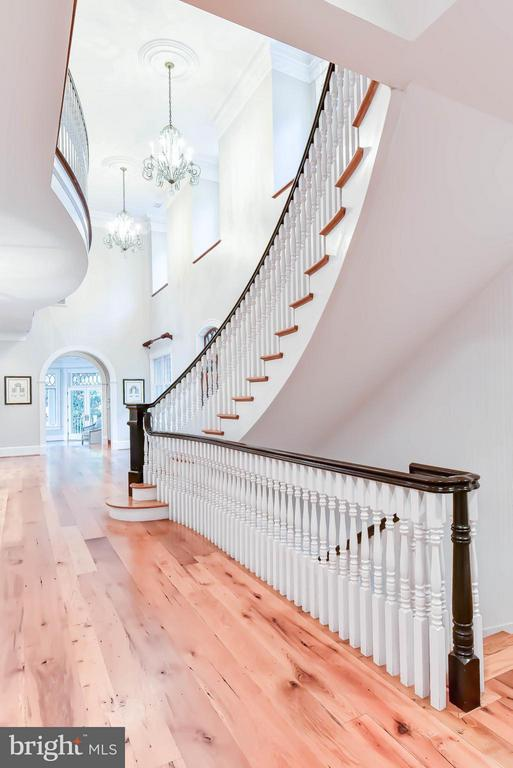 View of Staircase and two story ceiling - 7615 SOUTHDOWN RD, ALEXANDRIA