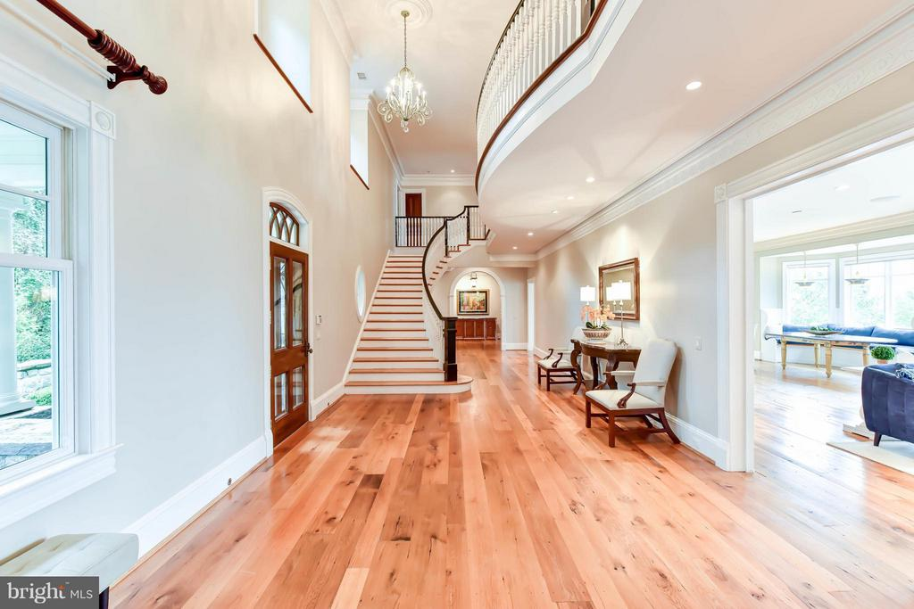Grand Foyer with 20+ foot ceilings - 7615 SOUTHDOWN RD, ALEXANDRIA