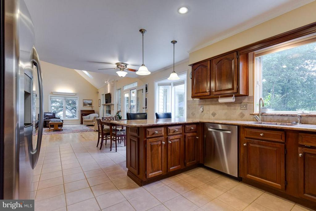 Updated with classic style - 12103 METCALF CIR, FAIRFAX