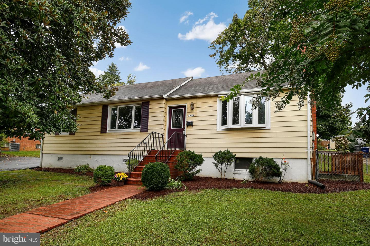Photo of home for sale at 2630 Maple Street E, Alexandria VA
