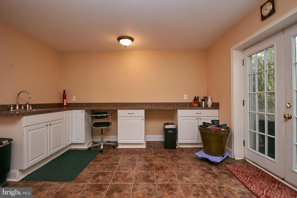 Craft or Gardening Room with Rear Access - 13392 FIELDSTONE WAY, GAINESVILLE