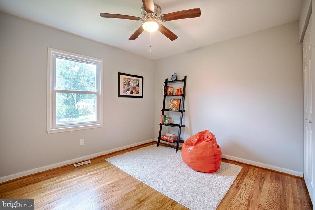Every room is sunny and bright. - 4407 HILLYER ST, FAIRFAX