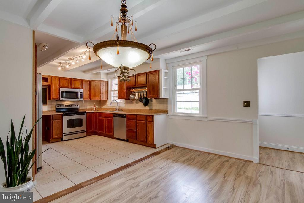 View of Kitchen from dining room - 13305 SPRIGGS RD, MANASSAS