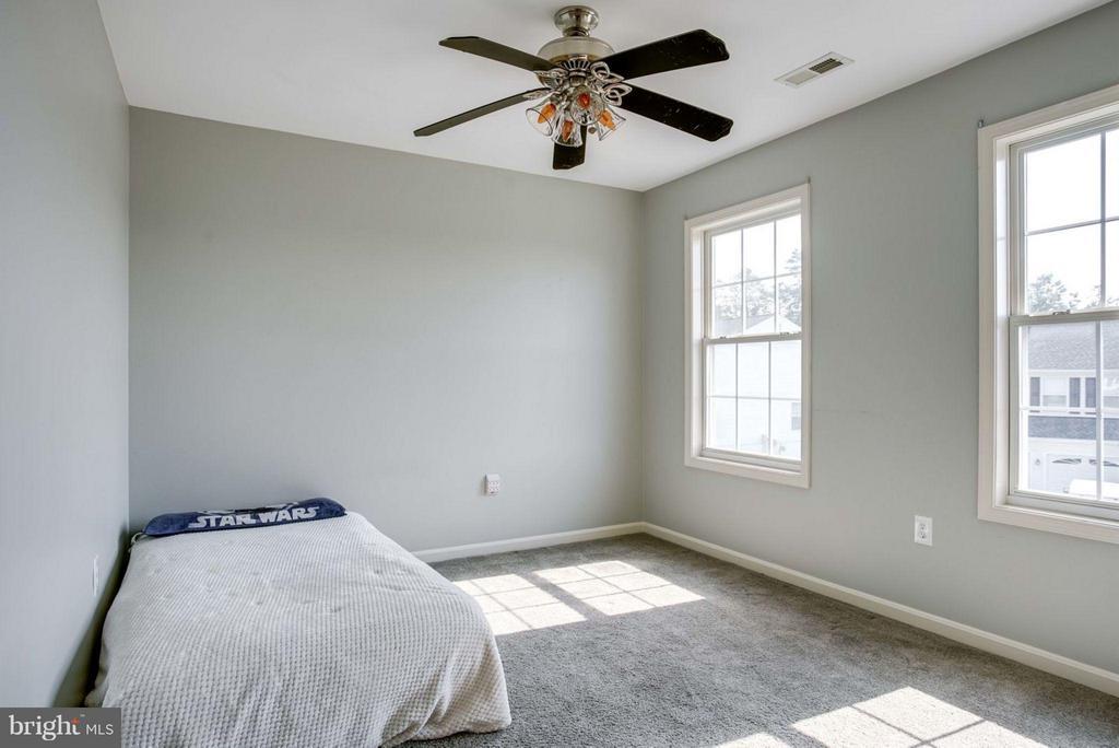 Bedroom - 7 DOUG CT, STAFFORD