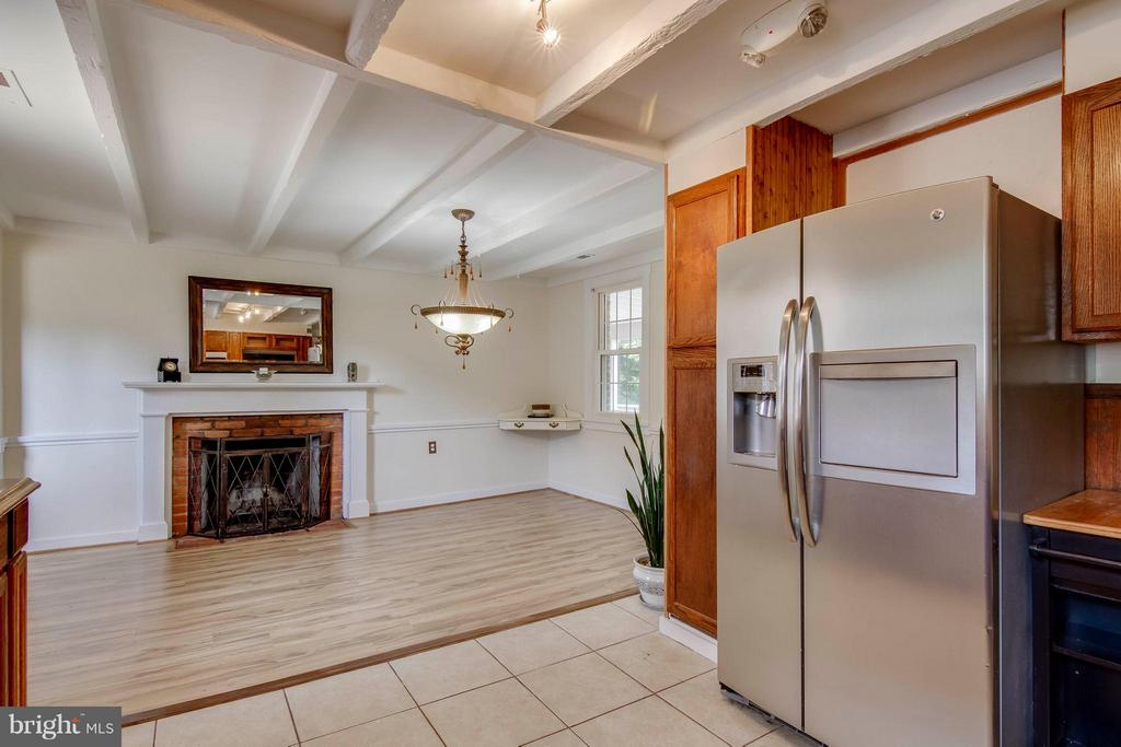 Dining Room with wood burning fireplace - 13305 SPRIGGS RD, MANASSAS