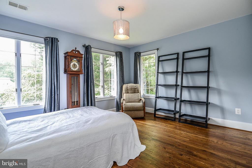 Bedroom - 7310 LINGANORE CT, MCLEAN