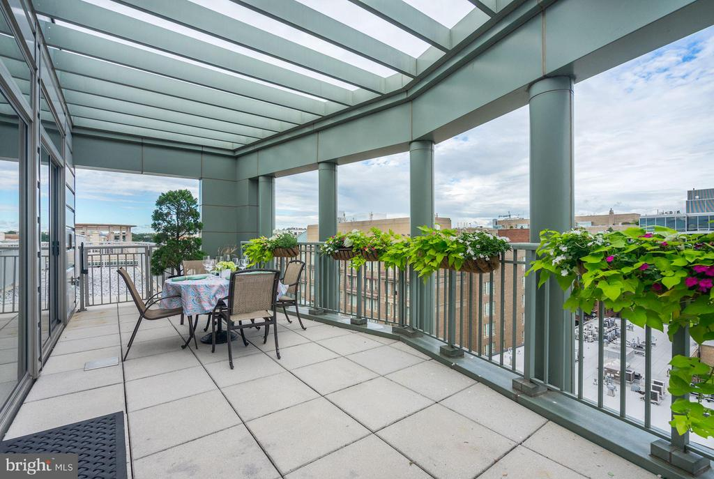 Dine al fresco on 240 SF Private, rooftop terrace - 2425 L ST NW #936, WASHINGTON