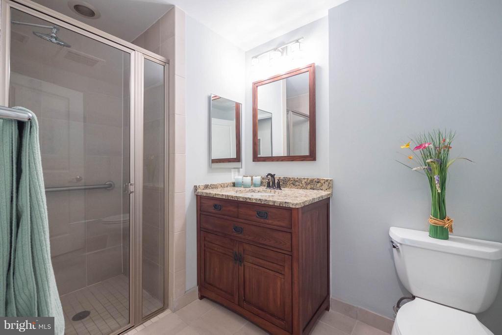 Hall Bath - 11990 MARKET ST #217, RESTON