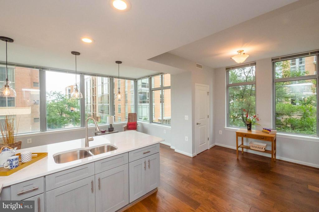 Eat-in space or area between pantry and w/d - 11990 MARKET ST #217, RESTON