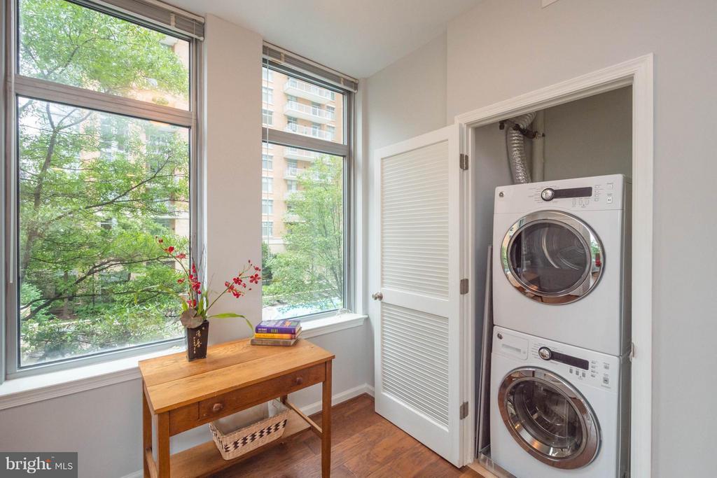 Energy star washer dryer - 11990 MARKET ST #217, RESTON