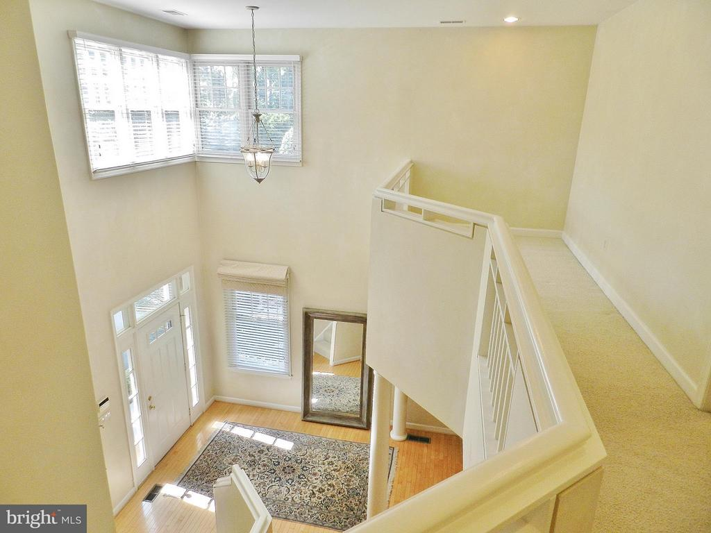 2 story foyer - 9974 STONE VALE DR, VIENNA