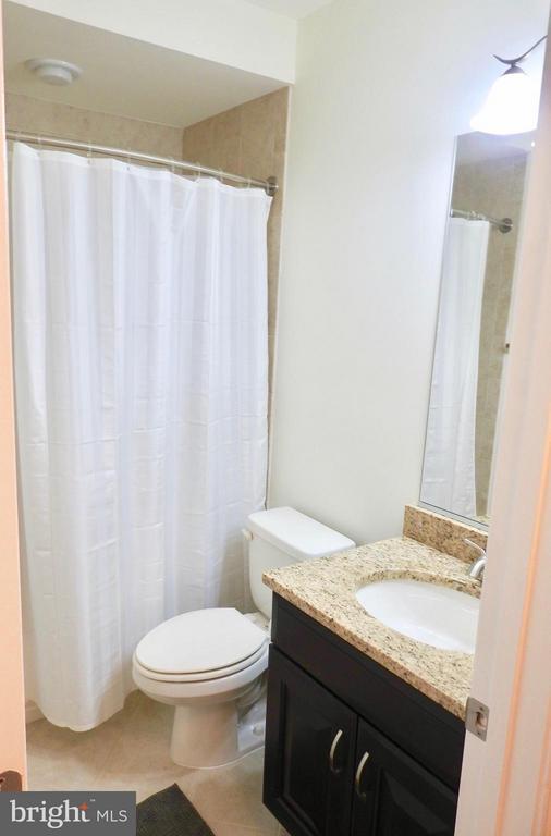 Bath - 319 UPTON CT, ARLINGTON