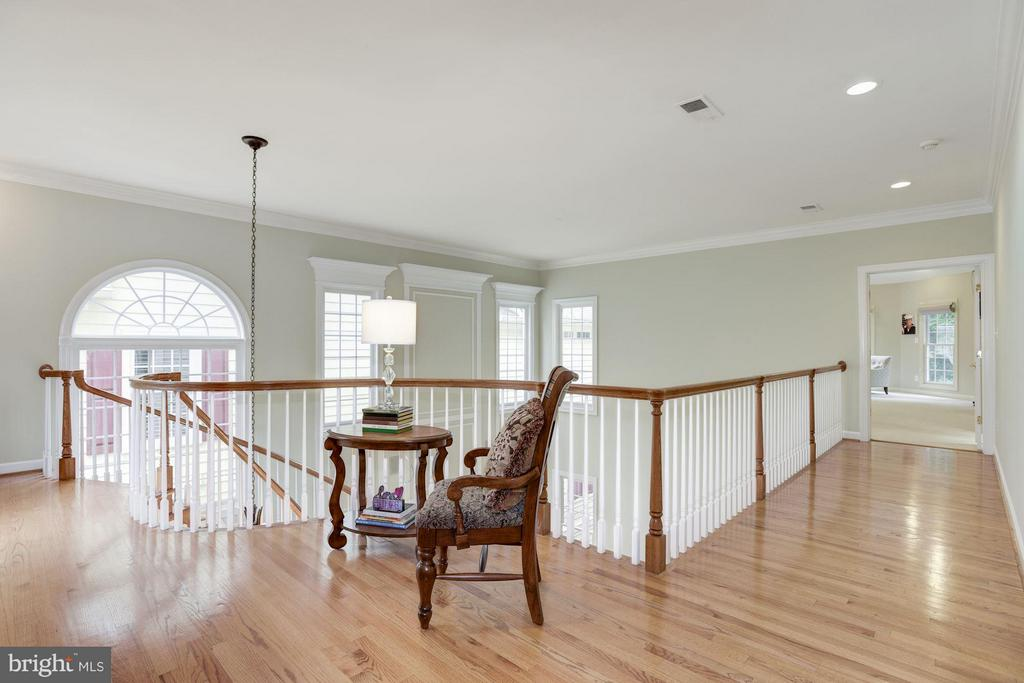 Interior (General  Open, wide hardwood staircase - 20258 ISLAND VIEW CT, STERLING