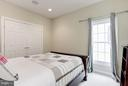 Bedroom with buddy bath - 20258 ISLAND VIEW CT, STERLING