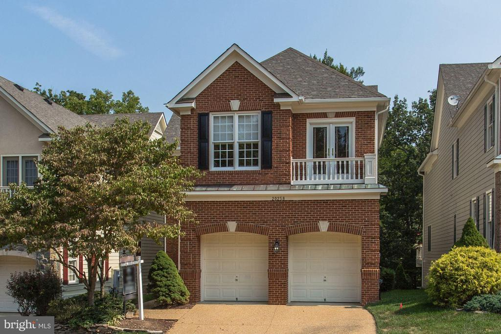 Looking  at 6th hole of prestigious country club. - 20258 ISLAND VIEW CT, STERLING