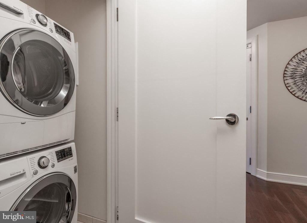 Washer and Dryer - 1111 19TH ST N #1403, ARLINGTON