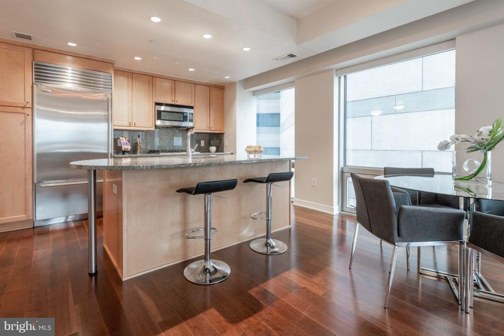 Room for casual and formal dining - 1111 19TH ST N #1403, ARLINGTON