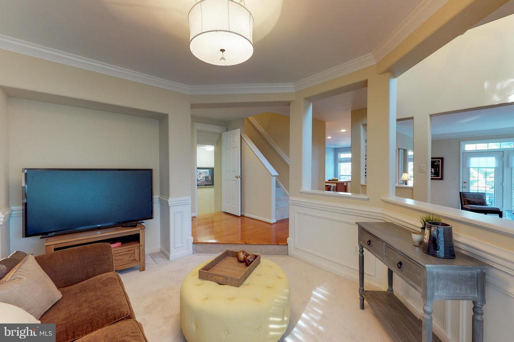 Another view of  Family Room - 9800 BOLTON VILLAGE CT, FAIRFAX