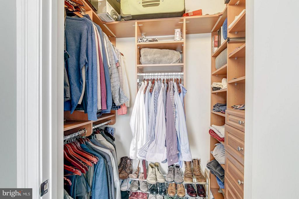 Master bedroom walk-in closet - 1023 ROYAL ST #306, ALEXANDRIA