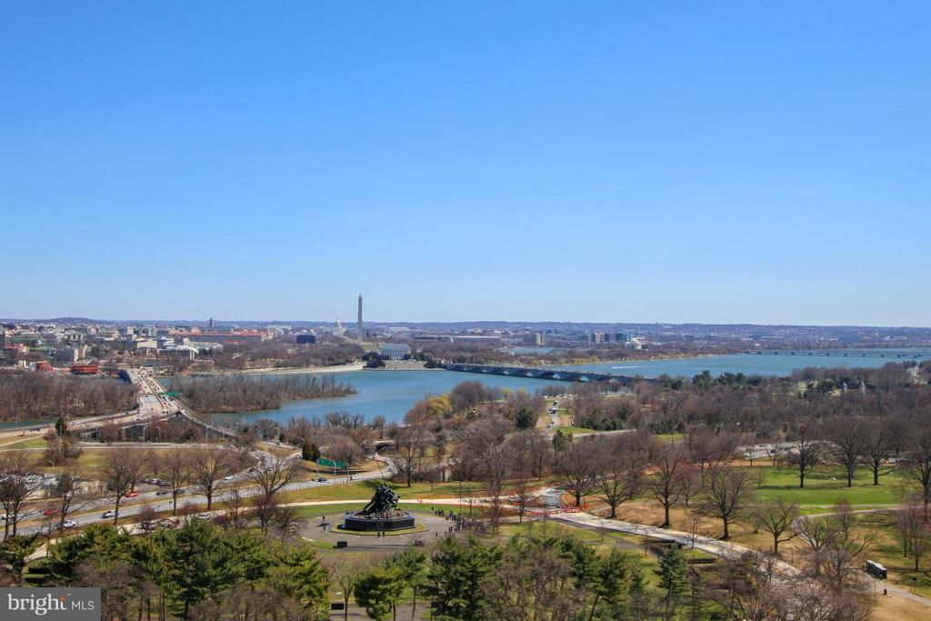 Amazing Views - 1401 OAK ST #305, ARLINGTON
