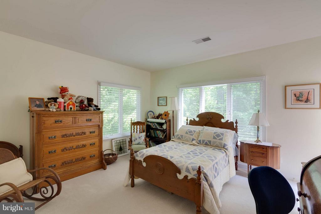 Bedroom 4 - 7111 TWELVE OAKS DR, FAIRFAX STATION
