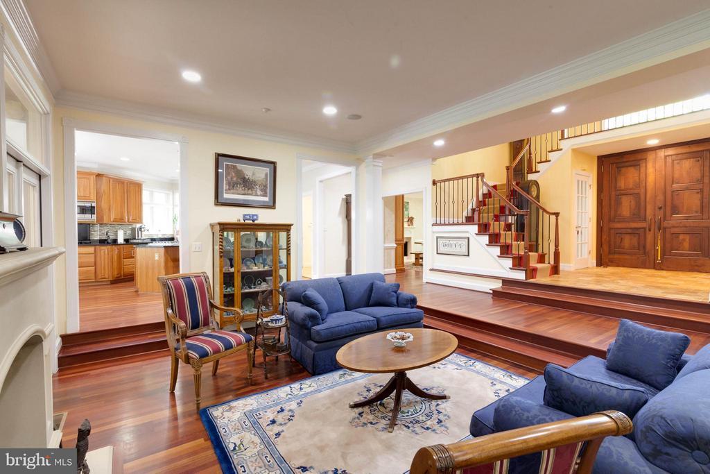 Living Room with gleaming cherry hardwoods - 7111 TWELVE OAKS DR, FAIRFAX STATION
