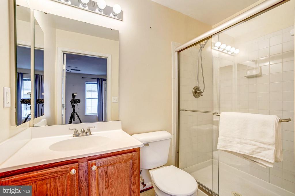 Master bathroom - 4314 SUTLER HILL SQ, FAIRFAX