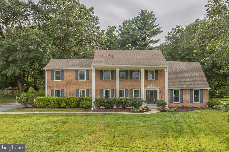 Single Family for Sale at 10 Glenhurst Ct North Potomac, Maryland 20878 United States