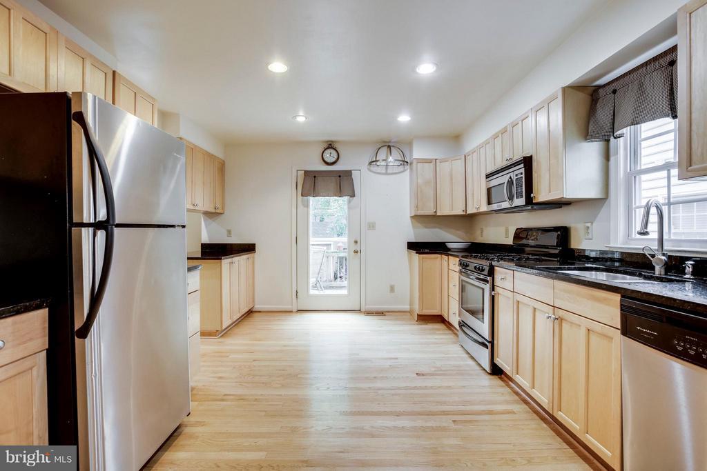 Kitchen - 3426 12TH RD N, ARLINGTON
