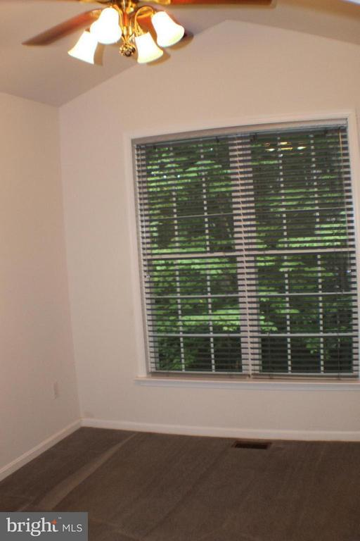 Bedroom (Master) - Sitting Room - 123 DOC STONE RD, STAFFORD