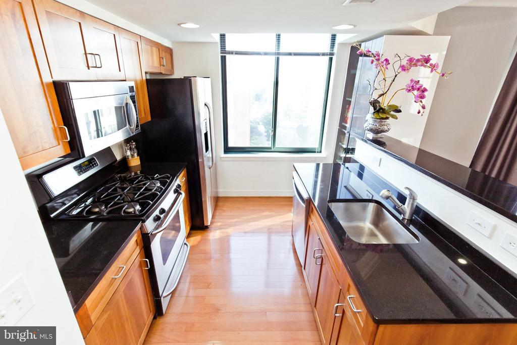 Kitchen - 1201 GARFIELD ST N #806, ARLINGTON