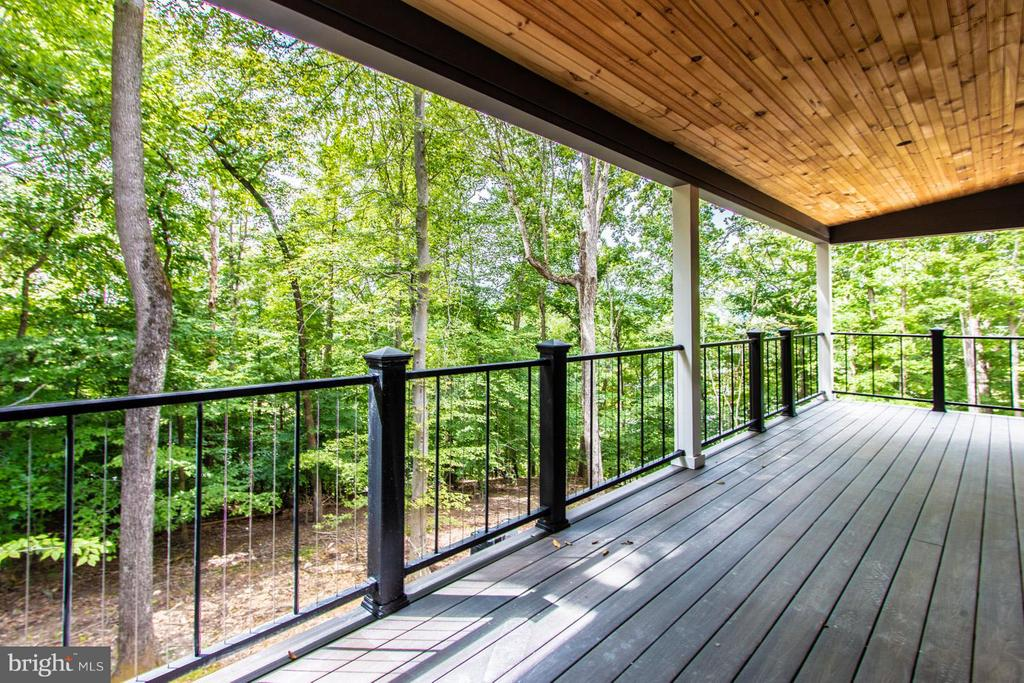 Balcony off master bedroom. Summer view - 6027 TULIP POPLAR CT, MANASSAS