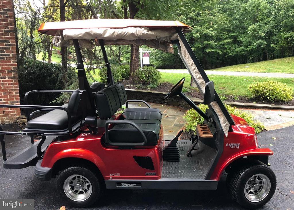 Golf cart accessible community - 306 SINEGAR PL, STERLING