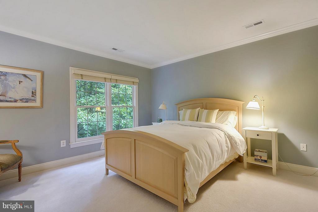Bedroom #3 - 306 SINEGAR PL, STERLING