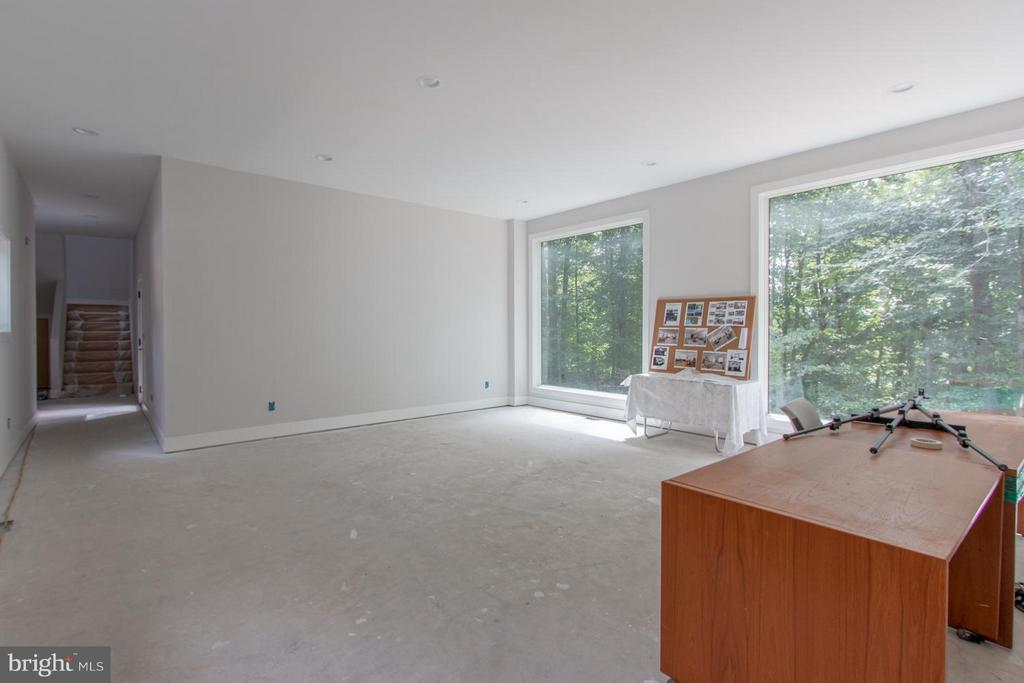 Entire upper 2 lvls will be heated wood floors. - 6027 TULIP POPLAR CT, MANASSAS