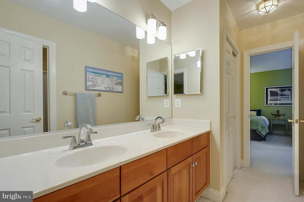 Upper Level:  Shared Bath #3 - 306 SINEGAR PL, STERLING