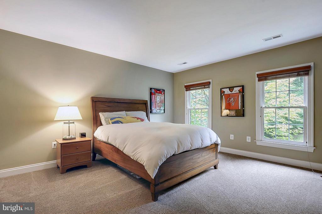 Bedroom #2 - 306 SINEGAR PL, STERLING